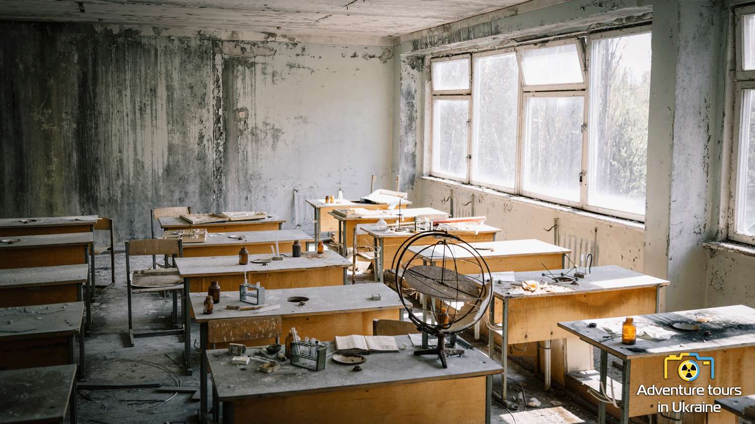 Chernobyl zone tour - abandoned school in Pripyat